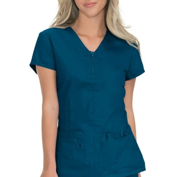 NWT KOI STRETCH SCRUB TOP